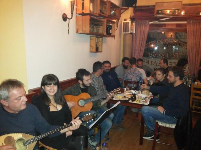Απόλαυσαν μια υπέροχη ρεμπέτικη βραδιά, βράδυ Παρασκευής (31/10), στο Τσιπουράδικο – Μεζεδάδικο » Τα Γράδα» στην Κοζάνη