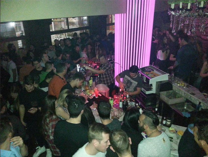 Χαμός στο Old school 90s Party, του  Mobe Bar στην Κοζάνη, την Παρασκευή 21 Νοεμβρίου