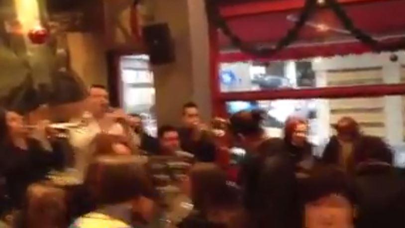 Τσιγαρίδα πάρτι με χάλκινα στο  bar Gallery στην Κοζάνη, το μεσημέρι της  Κυριακής 21 Δεκεμβρίου