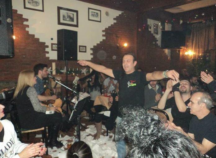 Χορός και τραγούδι, στην Λαϊκή βραδιά που διοργάνωσε η   πιτσαρία IL SANTO  στην Πτολεμαϊδα, την Πέμπτη 18/12