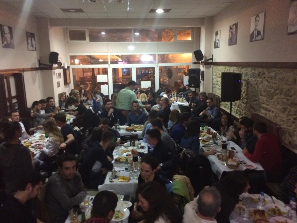 """Ο Μανώλης Σαμαράς διασκέδασε  του Βελβεντινούς στο Παραδοσιακό Καφενείο """"Ο Πλάτανος"""", την Παρασκευή 23 Ιανουαρίου"""