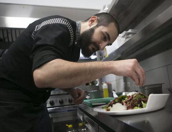 To melisoula.gr στην κουζίνα των «Αισθήσεων», στην Πτολεμαΐδα,  με τον Ιερεμία Αμβροσιάδη