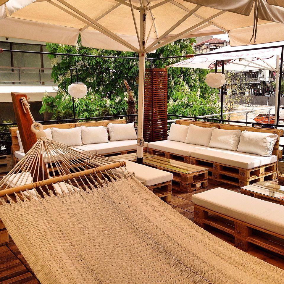 Άνοιξε και σας περιμένει το Roof Garden του Baron στην Κοζάνη